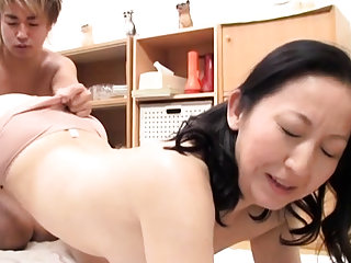 Arousing mature hardcore act with a real oriental bitch